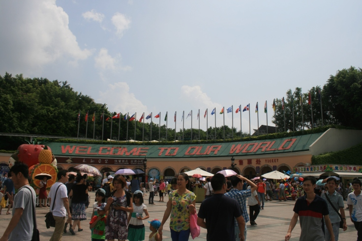 Big crowds at the entrance of the amusement park