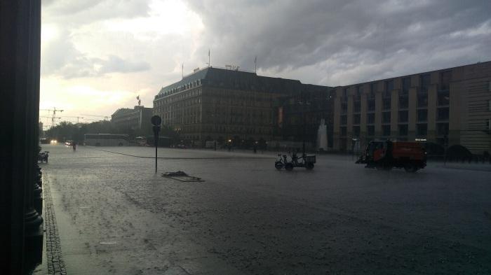 Rain at the Brandenburg gates