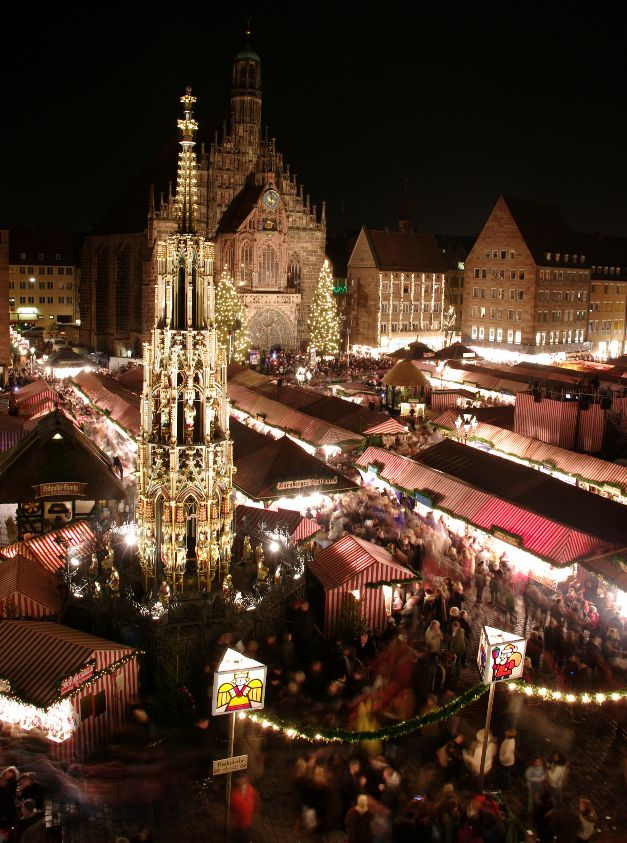 Christkindlmarkt, Nuremberg, courtesy wikipedia