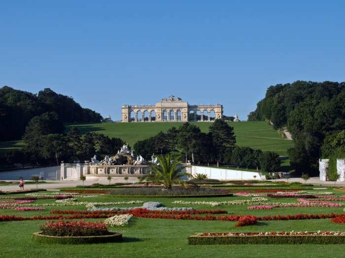 Gloriette in Schönbrunn, courtesy wikipedia
